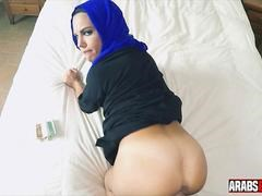 arab girl fucked in hotel