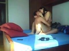 زوجان عربيان في جنس رومانسي والفتاة في تماما الحب تصوير كاميرا خفية